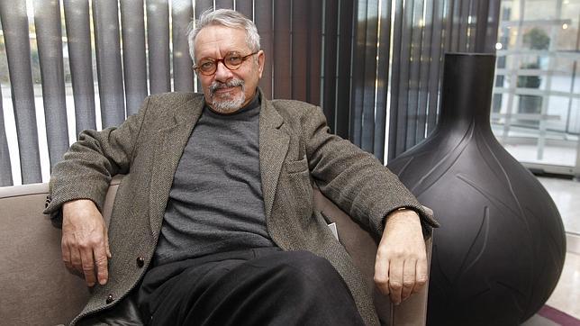 Constantino Bértolo: «Los premios literarios son una forma de corrupción»