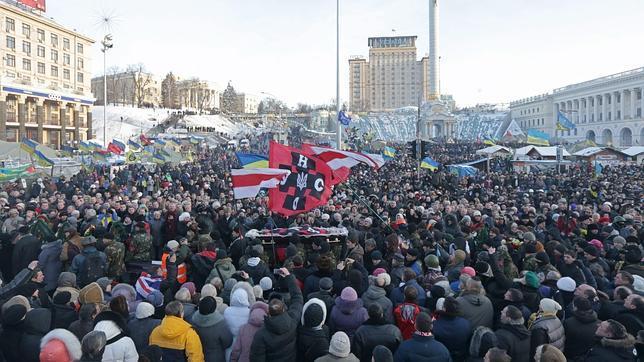 La oposición de Ucrania seguirá «su lucha» pese a las concesiones de Yanukóvich