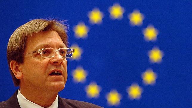 Elecciones europeas 2014: Verhofstadt, candidato de los liberales para presidente de la Comisión