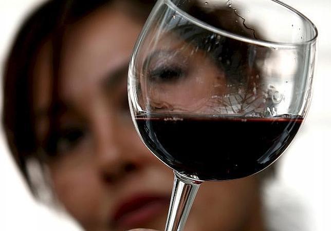 ¿Cómo saber si un vino está bueno sin ser un experto?