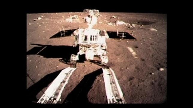 El rover chino Yutu «se rompe» tras mes y medio en la Luna