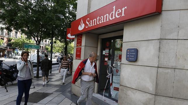 El banco santander prejubilar a empleados este ao for Santander cajeros madrid
