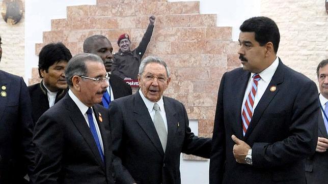 La cumbre de la Celac da un balón de oxígeno a la dictadura cubana