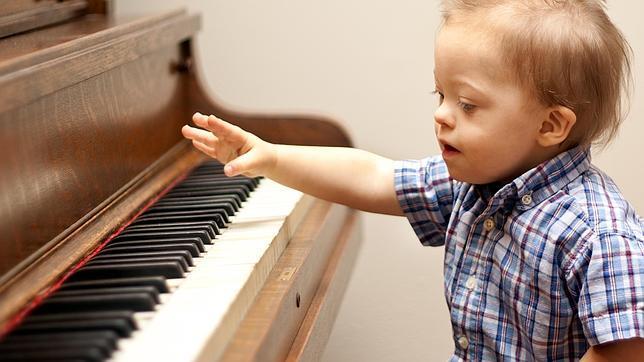 Con ayuda de la música y el canto mejoran la vocalización y aumentan la autoestima