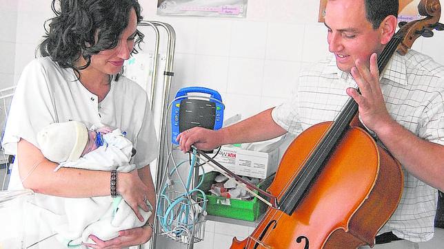 Los niños prematuros ganan más peso con ayuda de la música