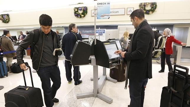 Acusan a Canadá de utilizar el Wi-Fi gratis de los aeropuertos para espiar a viajeros
