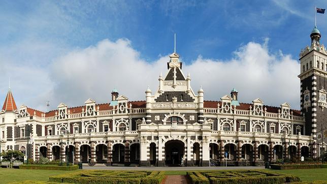 La fachada de la estación de tren de Dunedin