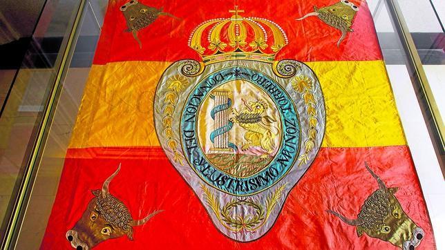 Por qué la bandera tricolor de la República «constituyó un grave error»