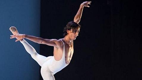 Un Cuyás hasta la bandera se rinde ante el ballet de Víctor Ullate