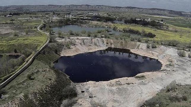 Arganda del rey espa a 39 laguna negra 39 acumula for Piscina municipal arganda del rey