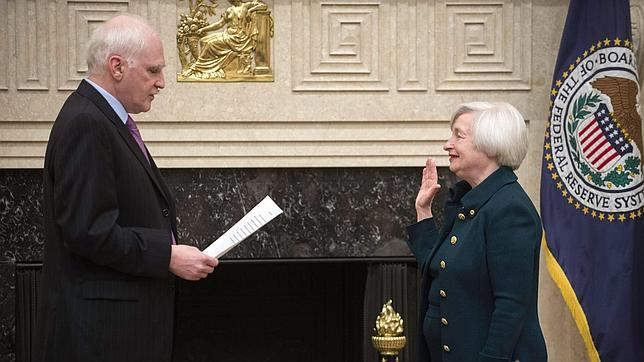 Yellen jura al frente de la Reserva Federal y Bernanke se va a la Brookings Institution