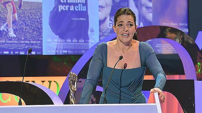 Nora Navas, con un vestido turquesa