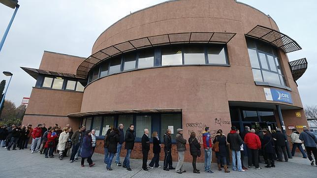 Extremadura, granero de sueldos públicos: 89.200 funcionarios y 64.500 empresarios