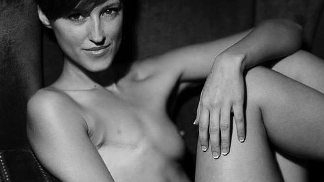 Facebook censura la fotografía de una modelo que ha padecido cáncer de mama