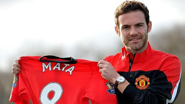 Juan Mata con la camiseta del Manchester United