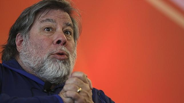 Steve Wozniak recomienda a Apple hacer un móvil con Android