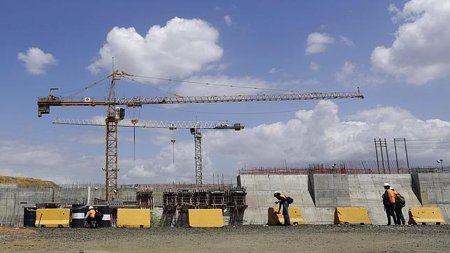 Sacyr paraliza las obras del Canal de Panamá
