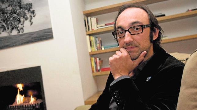 Agustín Fernández Mallo: «Nos desdoblamos todo el tiempo entre alguien que muere y alguien que vive»