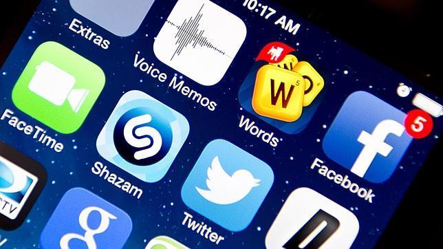 Sólo el 30% de los adolescentes apaga el smartphone al acostarse