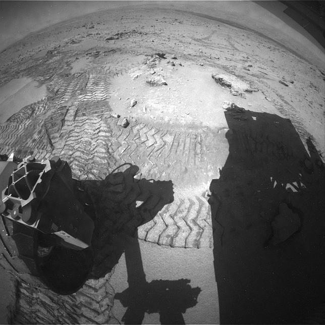 Cómo el Curiosity sube una duna de Marte, en nueve fotografías