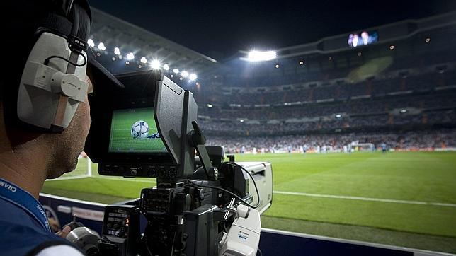 El fútbol profesional reduce en 156 millones de euros su deuda con Hacienda