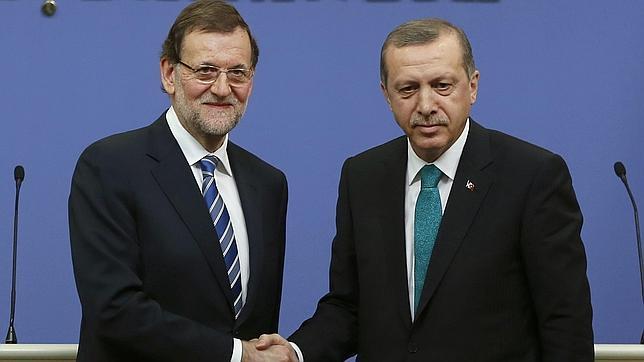 Resultat d'imatges de rajoy i erdogan