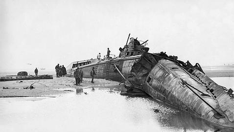 Submarino alemán en playas francesas en 1917. Crédito: abc.es