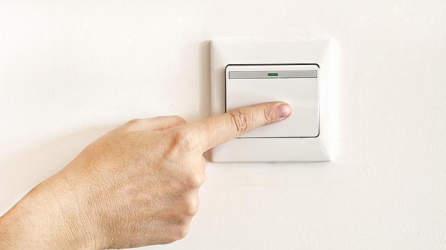 ¿Conviene contratar la nueva tarifa fija de la luz?