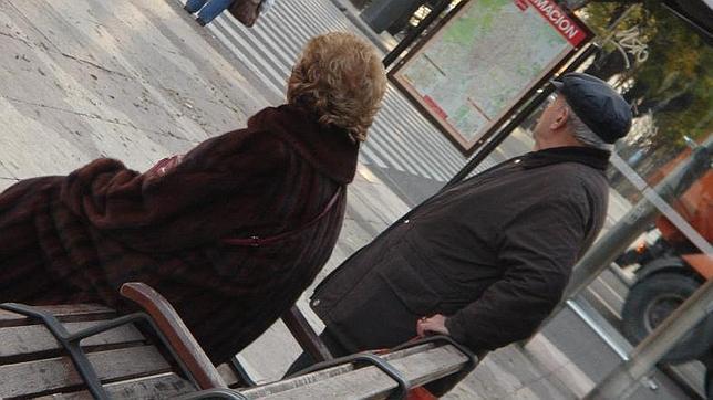 Si tienes más de 60 años, cuidado con pasar muchas horas sentado
