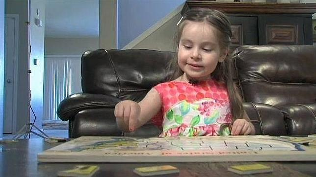 Una niña de tres años de Arizona aprende a hablar español ella sola con un iPad