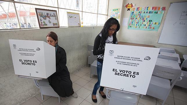La oposición gana las alcaldías de las dos principales ciudades de Ecuador