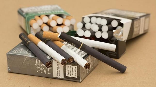 La Eurocámara aprueba definitivamente la nueva directiva del tabaco que prohíbe los cigarrillos de sabores