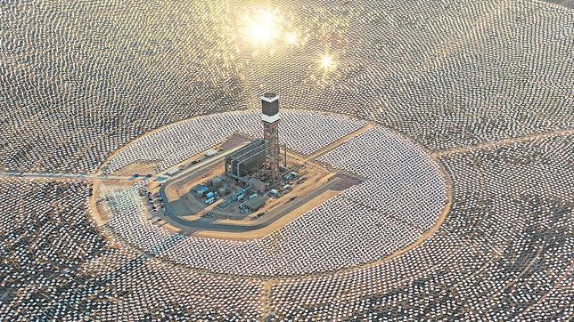 La mayor planta solar térmica del mundo está en el desierto de Mojave