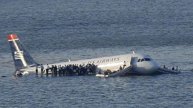 155 personas sobrevivieron al accidente del vuelo 405 de US Airways sobre las aguas del Río Hudson