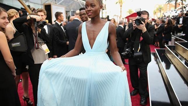 El protagonista de los Oscar 2014: el vestido de Lupita Nyong'o