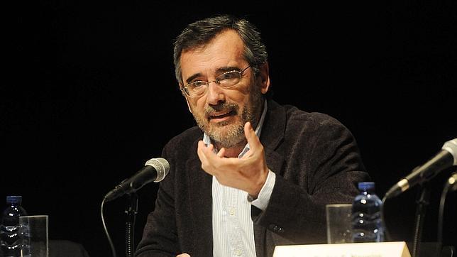 El Catedrático de Filosofía, Manuel Cruz, durante una conferencia