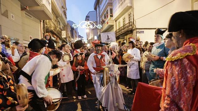 La calle de La Torre, en el barrio de Monte Alto, es el epicentro de los carnavales en La Coruña