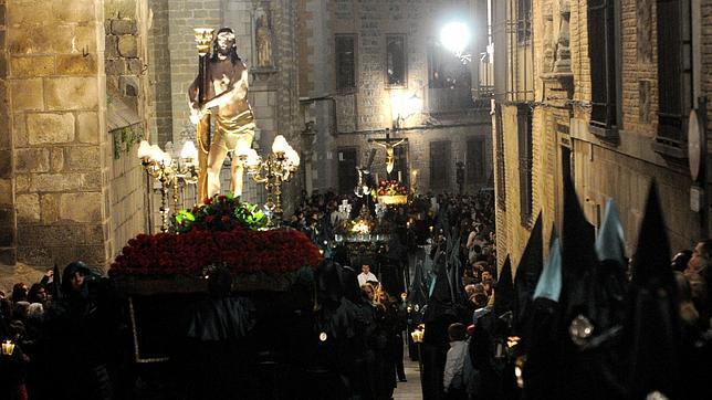 Jueves Santo. Procesión de Nuestra Señora del Amparo
