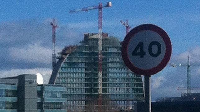 La Vela del BBVA será el edificio más grande de Europa iluminado con luces led