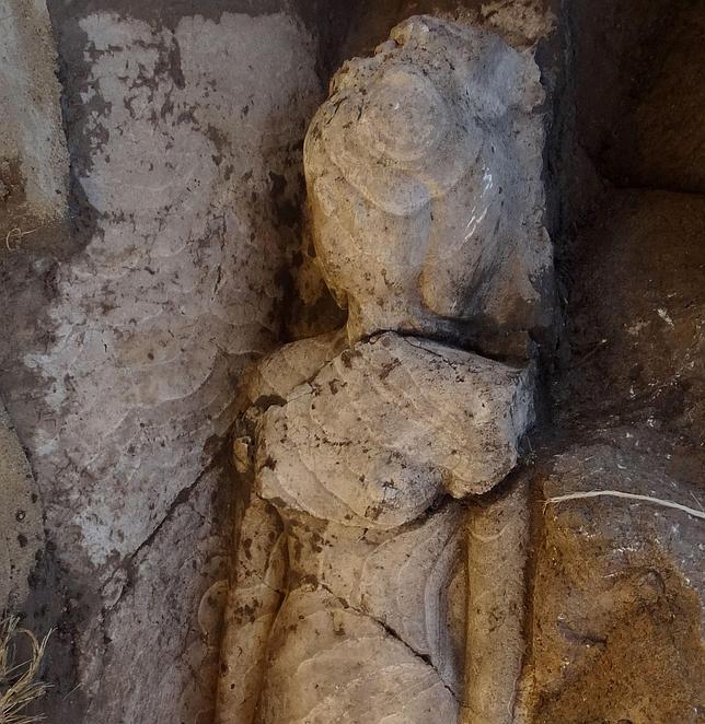 Descubren la estatua de una hija del faraón Amenhotep III en el sur de Egipto