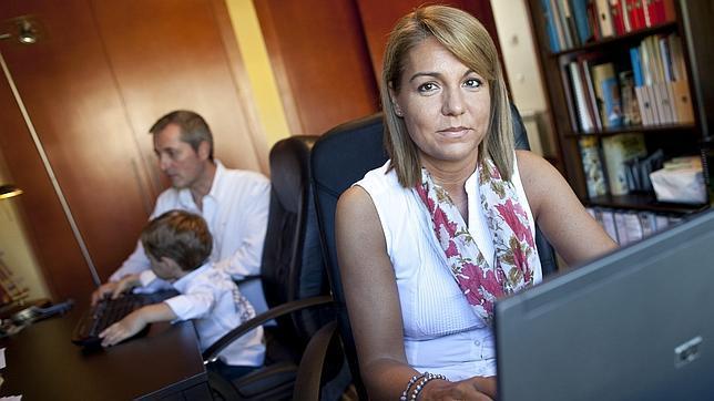 Susana Camarero, en la imagen con su familia, nueva secretaria de Estado de Servicios Sociales e Igualdad