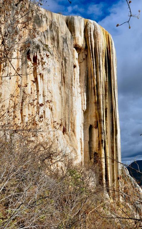 Hierve el Agua: el extraordinario caso de la cascada petrificada