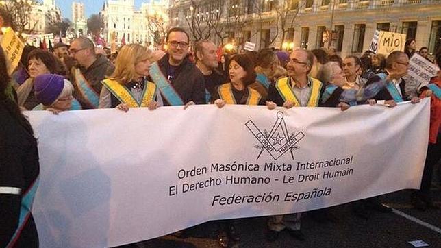 Los masones se exhiben en las calles de Madrid