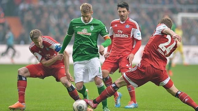 Un jugador alemán simula un penalti y admite al árbitro que se ha tirado
