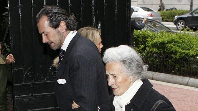 La madre de Marichalar, de 85 años, ingresada en el Hospital La Paz