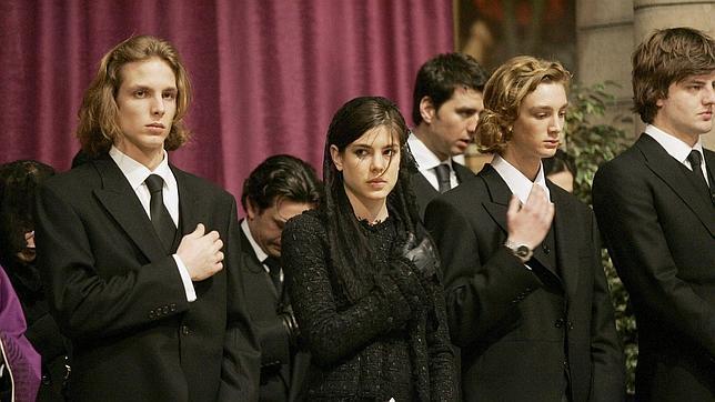 ¿Por qué nos vestimos de negro en el luto?