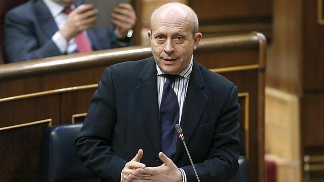 Wert anuncia un decreto para resolver los problemas de homologación de títulos «pre-Bolonia» en el extranjero