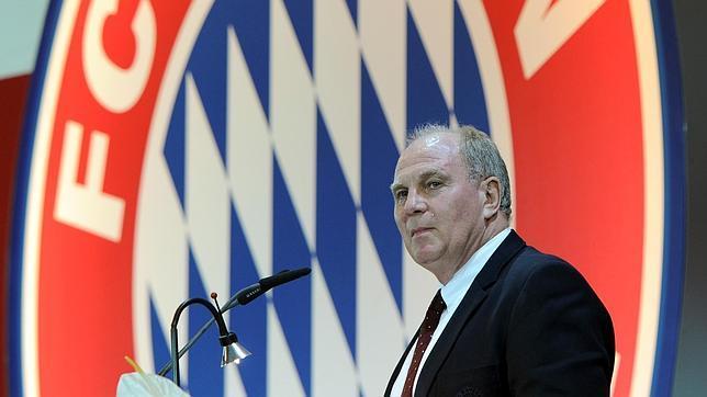 Uli Hoeness dimite como presidente del Bayern Múnich tras su condena por fraude fiscal