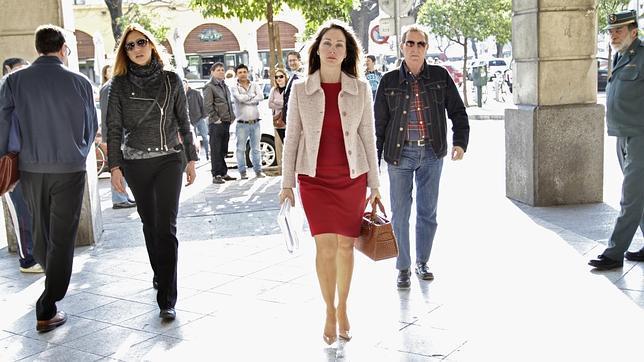 El PSOE acosa a la juez Alaya