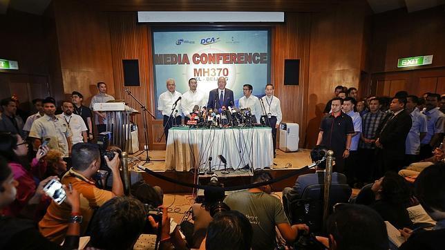 Malasia confirma que la desaparición del avión fue intencionada